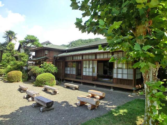 Foto Rumah Tradisional Jepang tampak depan