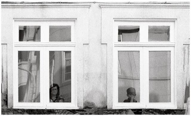 """Mirones, de la serie """"Porto"""" (2012), de Pablo Basagoiti"""