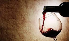 Οινοποιοί: Καμία οινοπαραγωγός χώρα δεν έχει επιβάλλει φόρο στο κρασί