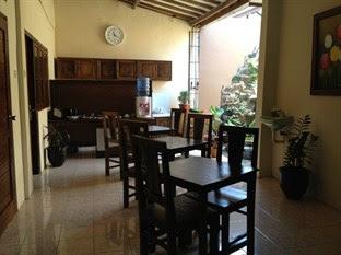 kafe Guest House Larasati Jogja