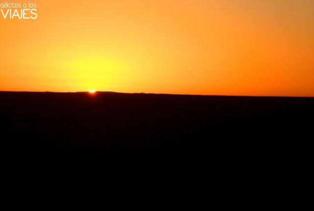 amanecer en el desierto del Sahara
