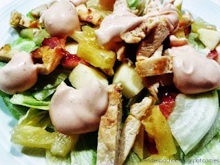 Ensalada de frutas y pollo
