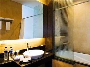 kamar mandi hotel aston