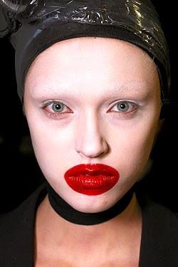 Les lèvres de Kylie Jenner ratées