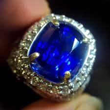 kegunaan dan Khasiat batu blue safir ( sapphire )