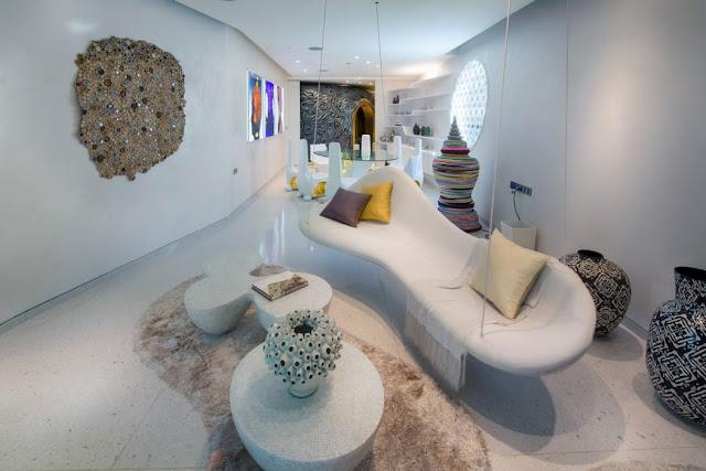 Traditionelles Kunsthandwerk plus modernes Design – perfekte Mischung für ungewöhnliche Einrichtung und exklusives Wohnen: Esszimmer
