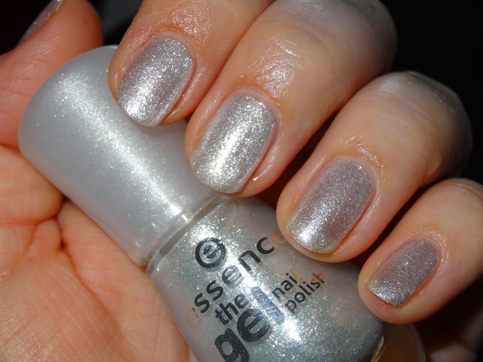 polishlover: essence - the gel nail polish - frozen kiss