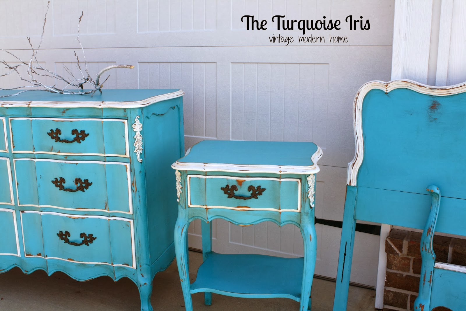 Lovely Turquoise French Bedroom Set