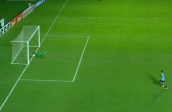 Peru U-20 goalkeeper Angelo Campos makes an amazing goal-line save against Uruguay U-20