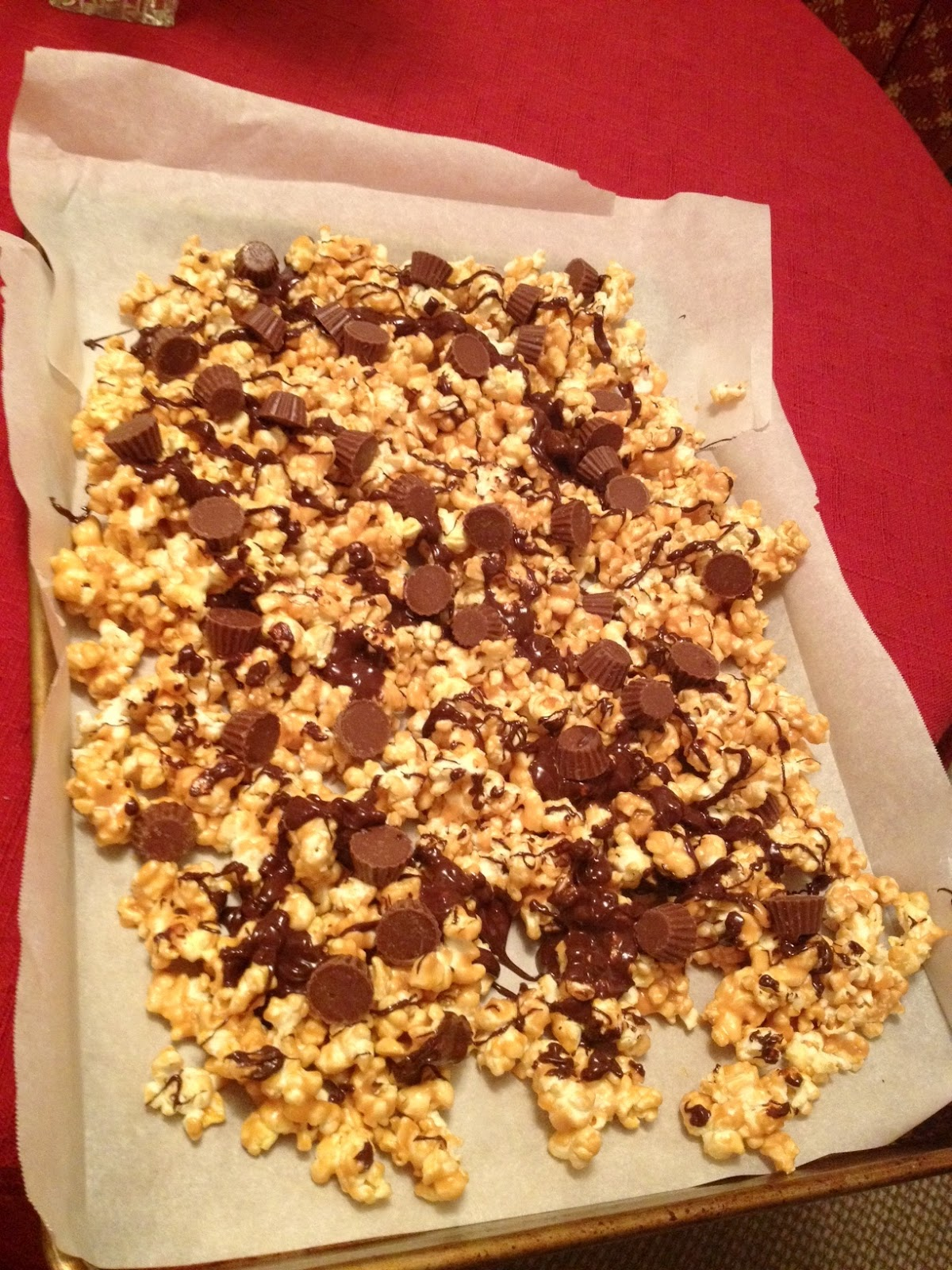 ... oklahoma girl in a colorado world: Reese's Peanut Butter Cup Popcorn