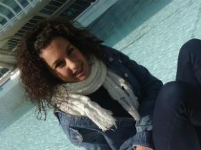 Sonreir un día mas, olvidar la realidad.
