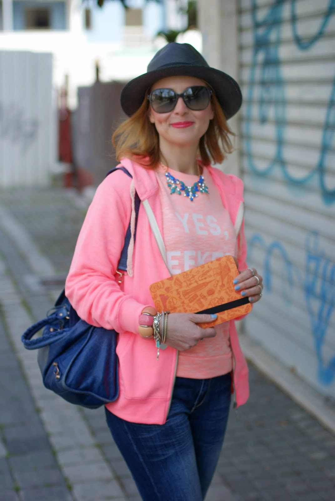 Yes weekend sweatshirt, Ozaki travel ipad case, Fashion and Cookies, fashion blogger, L10Trading