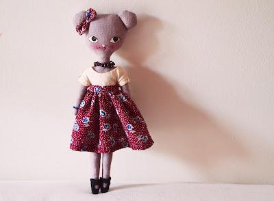 https://www.etsy.com/fr/listing/265524657/rosita-la-petite-poupee-souris?ref=pr_shop