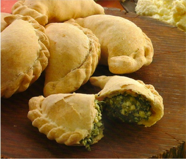 Spinach and cheese Empanadas/ Empanadas de espinaca y queso