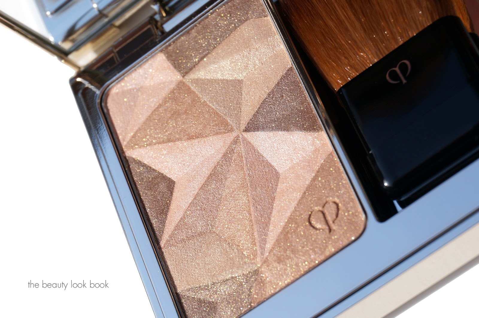 how to say cle de peau