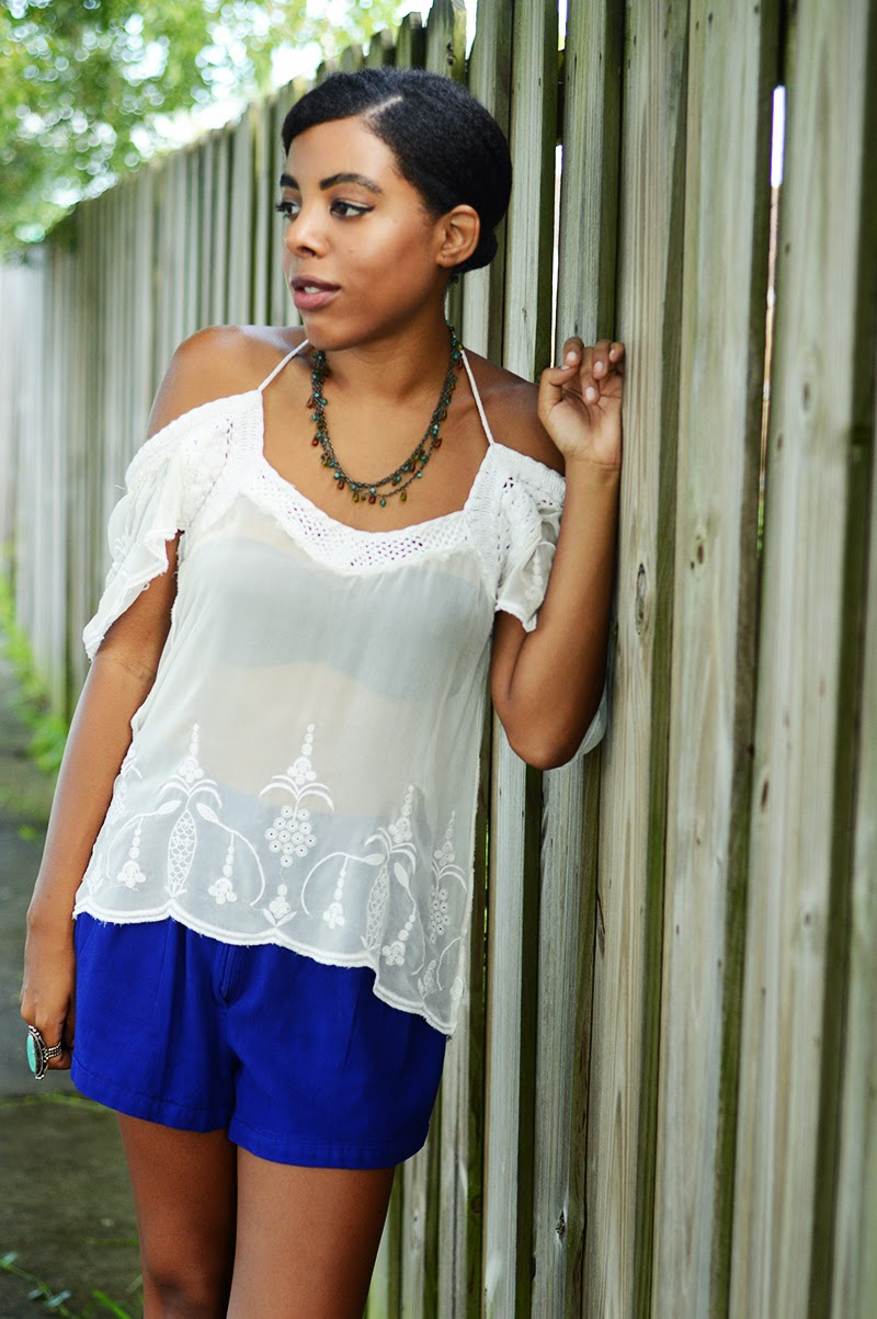 Miami Fashion Blogger Anais Alexandre of Down to Stars in a Forever 21 lace top and vintage blue shorts with Connie wedges