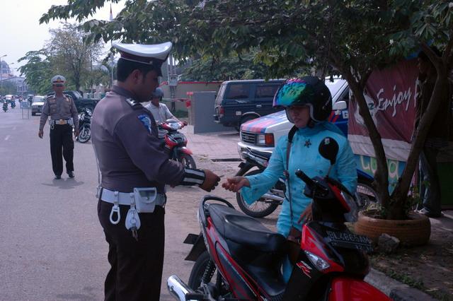 polisi lalu lintas