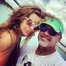alexis ayala comparte foto de su esposa desnuda