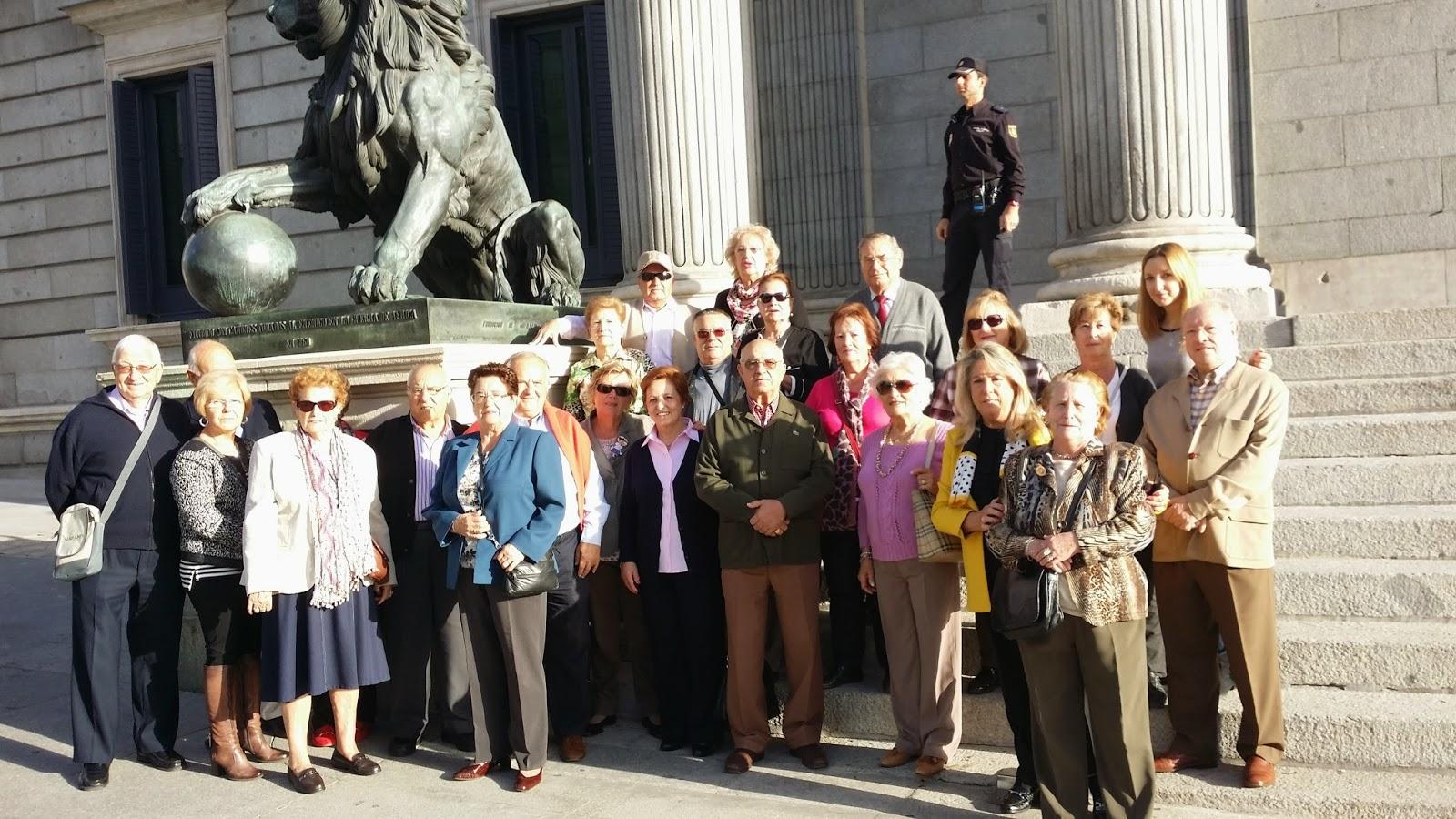 Los Centros de Mayores de Moratalaz visitan el Congreso