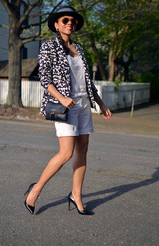 Outfit with boyfriend shorts and heels