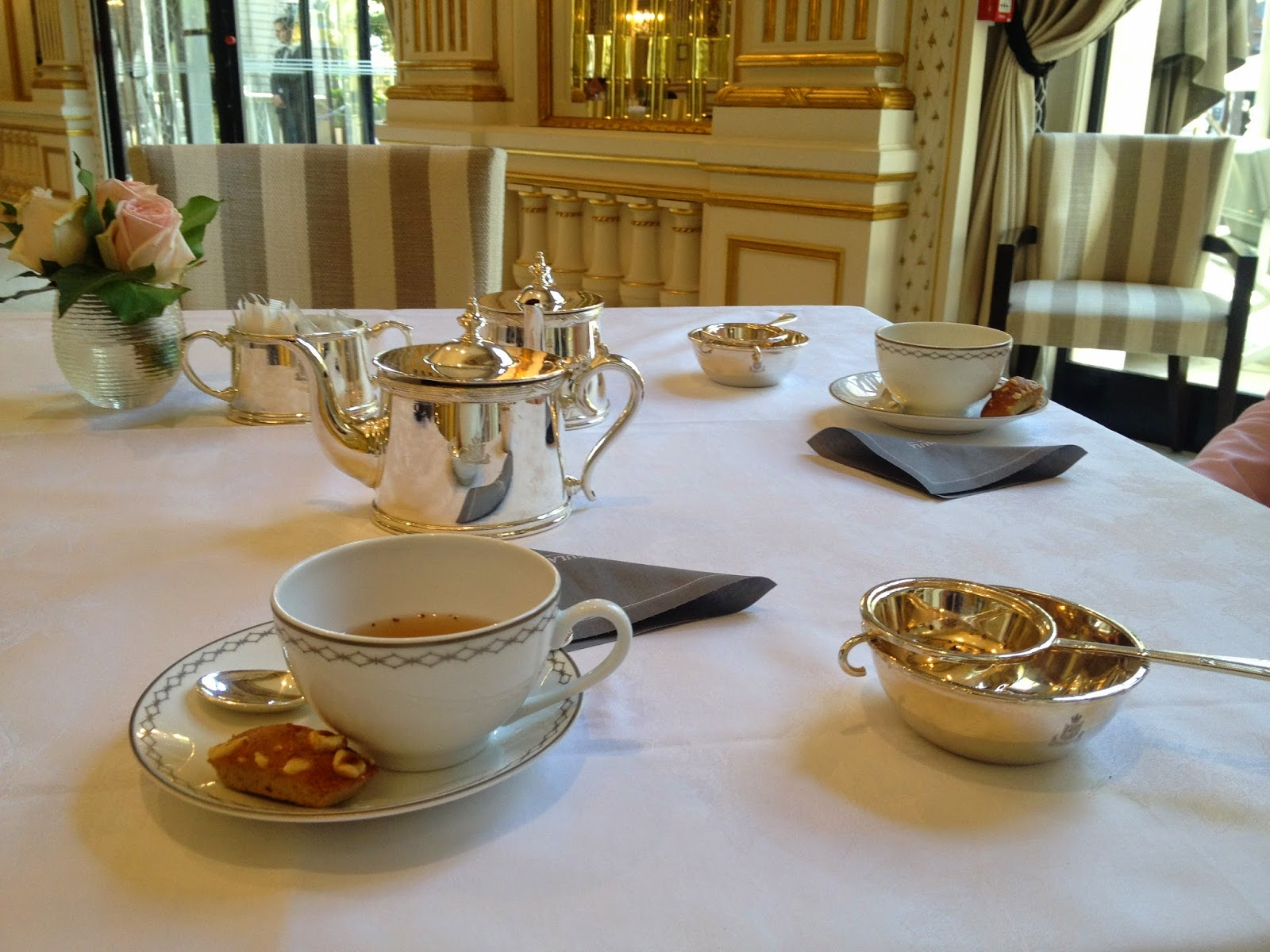 Tea served at The Lobby, Peninsula Paris