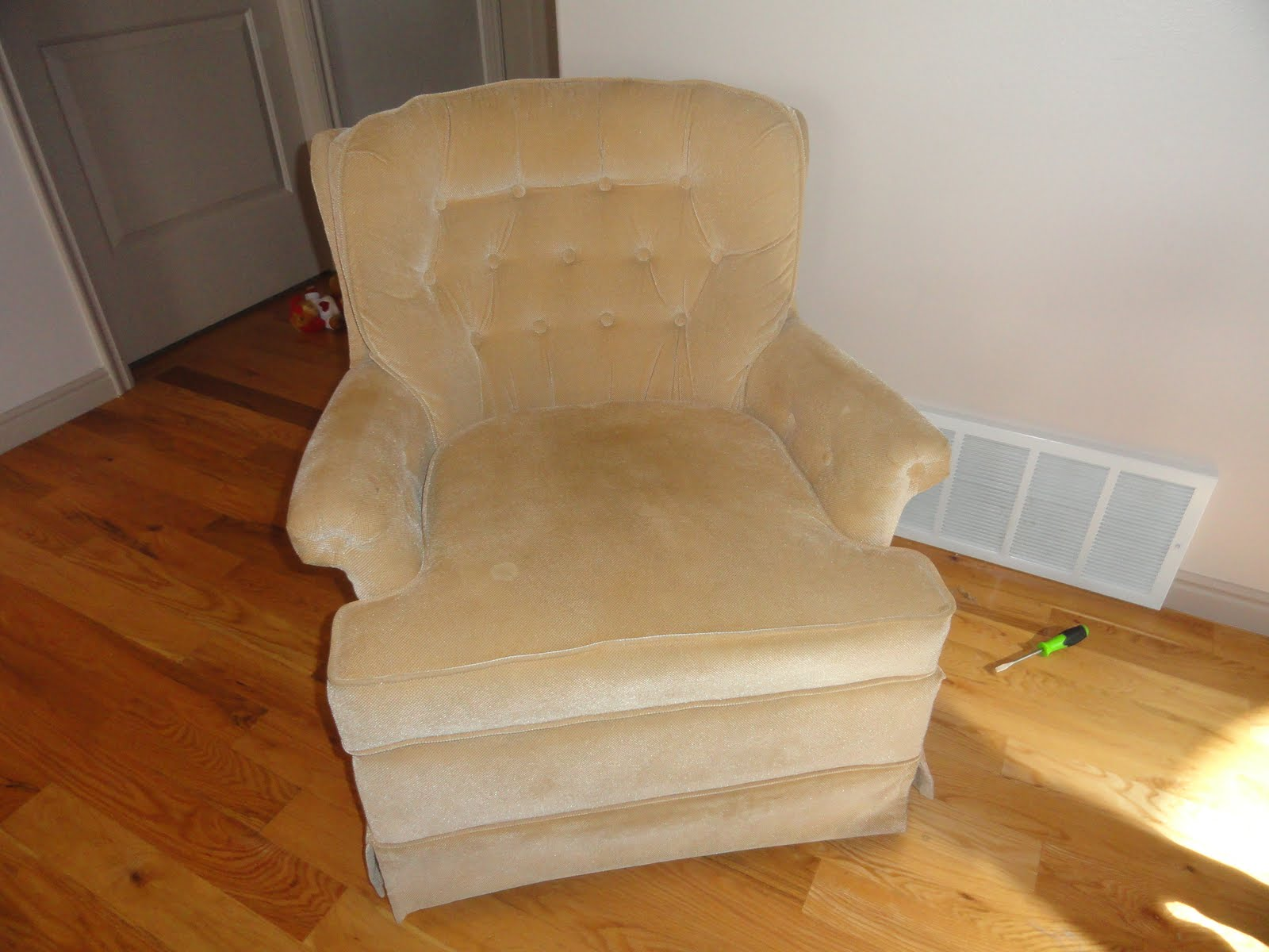 Skitt a skatt how to reupholster a chair for How to reupholster a chair