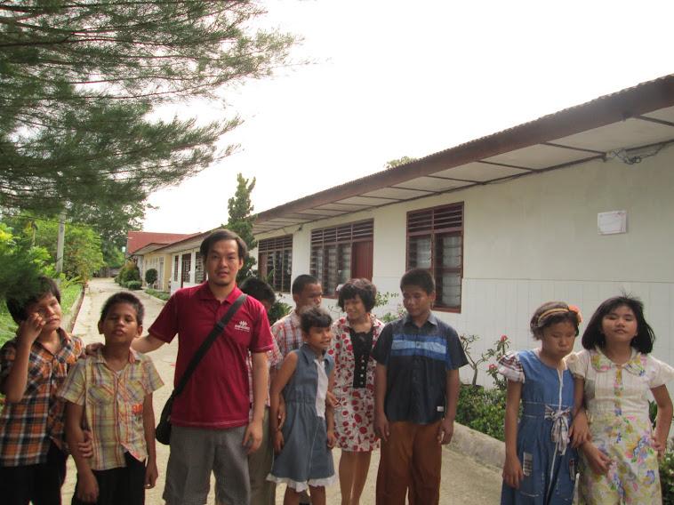 KEGIATAN BAKSOS EHIPASSIKO FAMILY CLUB DI PANTI TUNA NETRA SUMATERA 2012