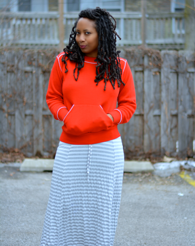 sweatshirt midi skirt