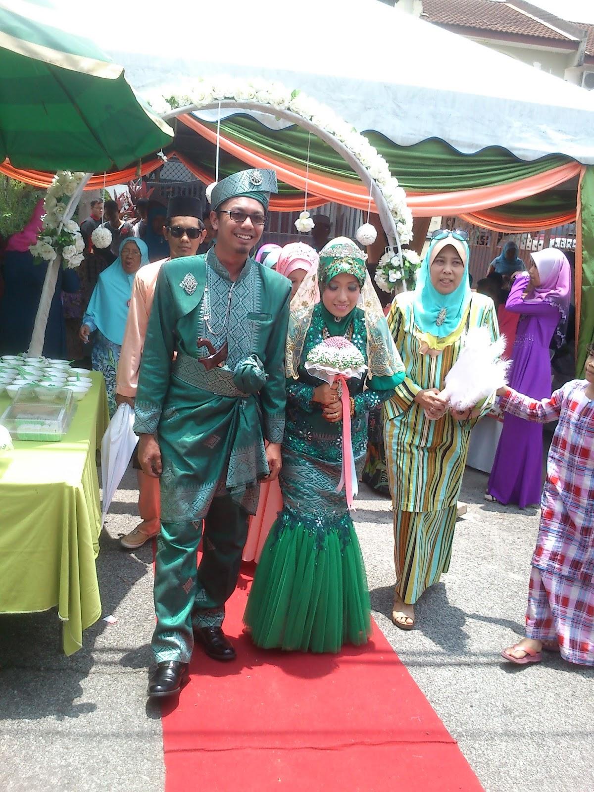 kuala kangsar gay singles Kuala kangsar kuala kangsar tourism  (build without a single metal nail and as per picture)  ask jo-annkytan about kuala kangsar royal district.