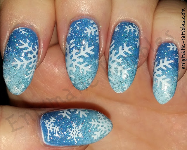 frozen-frosty-snowflake-nails-nail-art