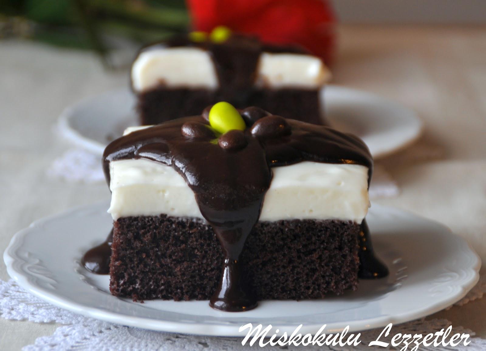 Çikolata soslu muhallebili tatlı tarifi