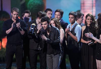 MTV Movie Awards 2011 - Página 3 A2