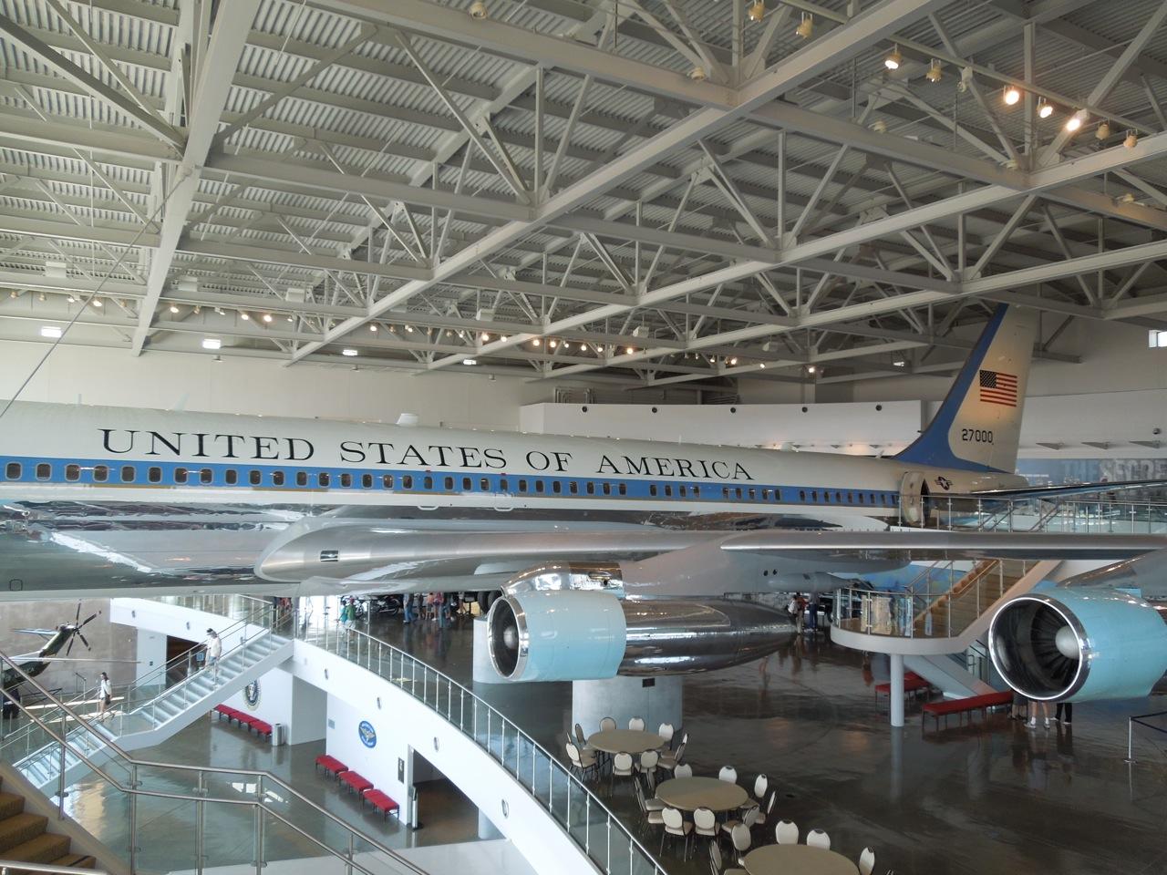 Air Force 1 Plane Obama Inside Images