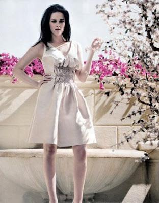 """Кристен Стюарт от """"Здрач"""" излезе на слънце за списание ELLE"""