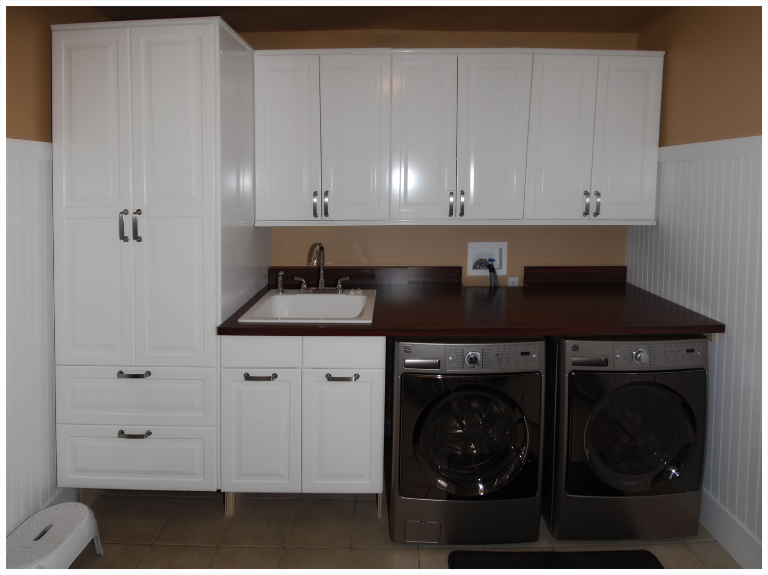 taylor family new laundry room