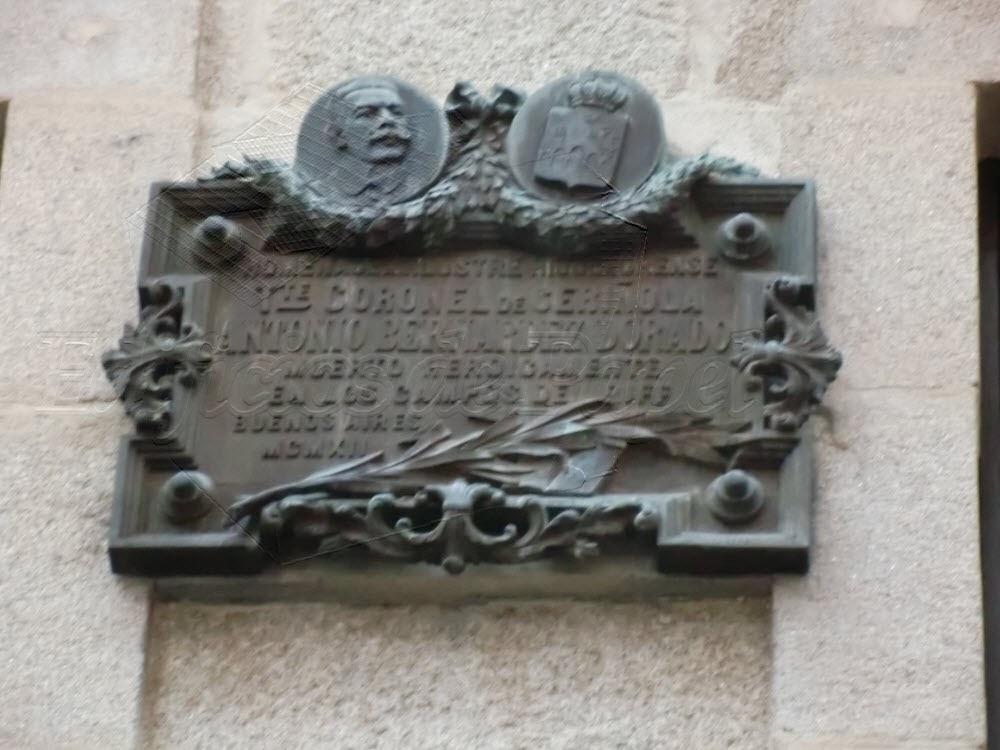 @2014 Edificios de Papel. Placa Conmemorativa en Ourense.