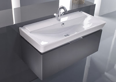 Soluciones creativas en baños y cocinas.