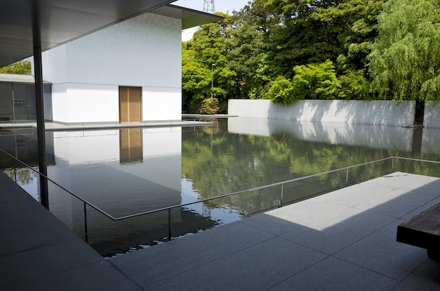 鈴木大拙館・水鏡の庭
