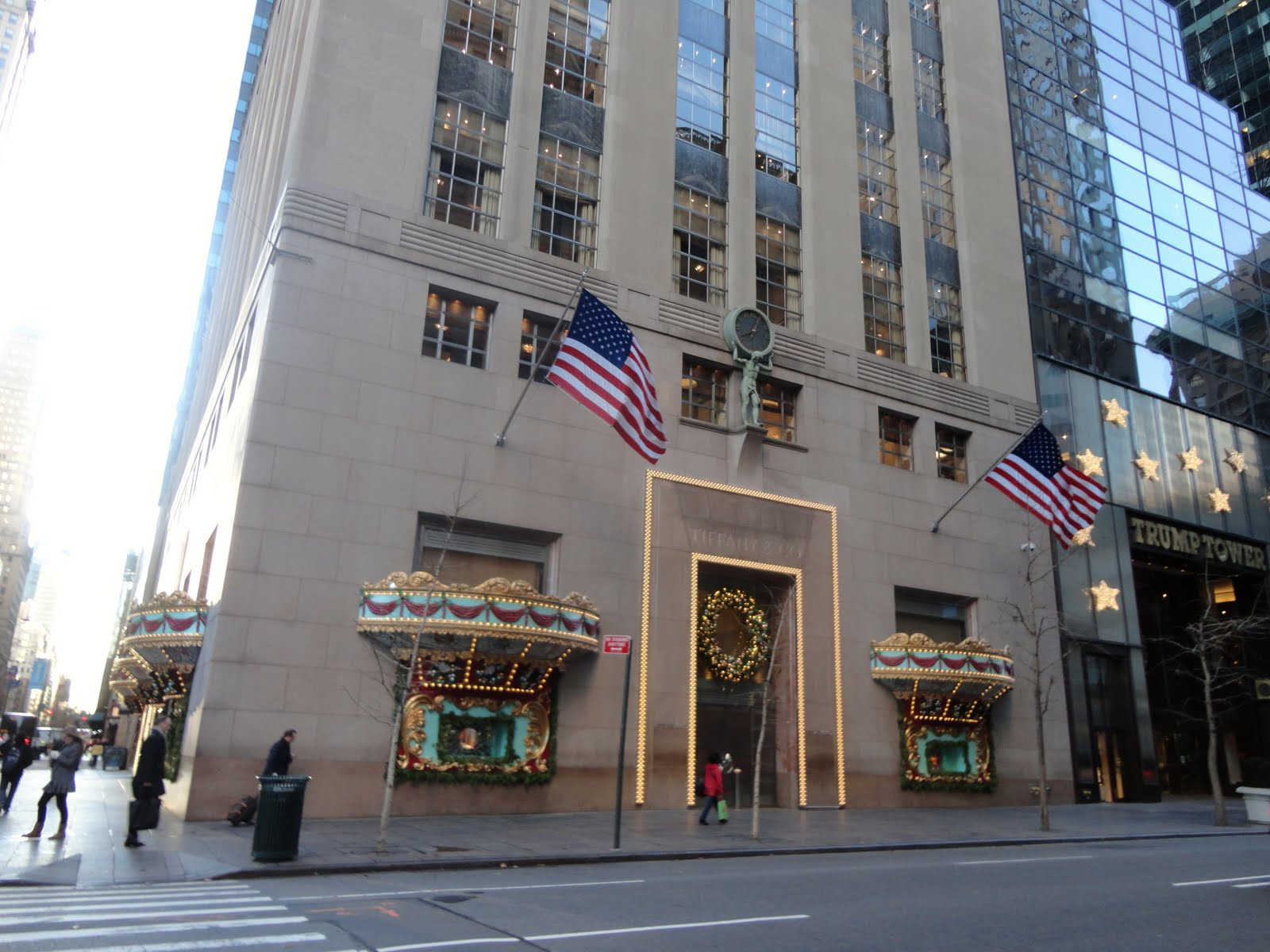 Tiffany co tiffany jewelry store new york 5th avenue for Jewelry stores in new york ny