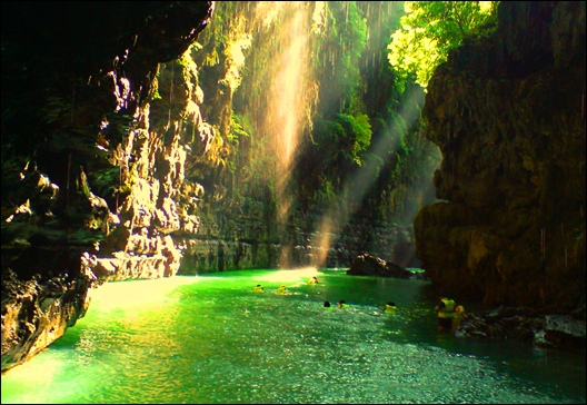 Paket Liburan Green Canyon – Wisata Murah di Pangandaran