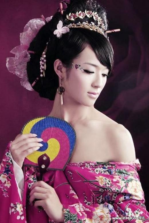 Chinese drag pose