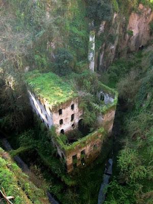 abandoned-Mill-near-Sorrento-beauty-of-Italy