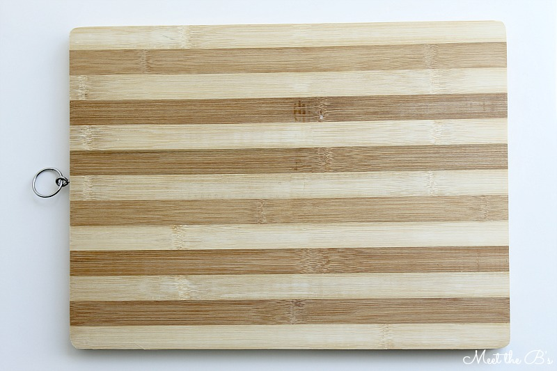Monthly DIY Challenge- Dollar Store Cutting Board Art
