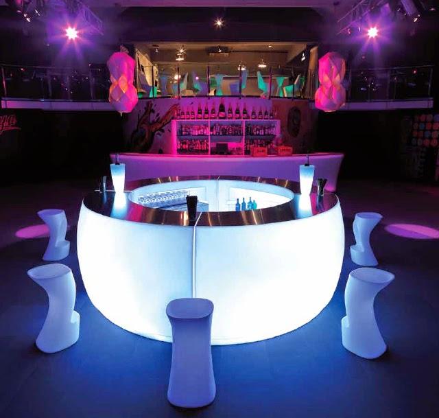 El jard n del glamour vamos todos a la fiesta barra for Modelos de barras de bar