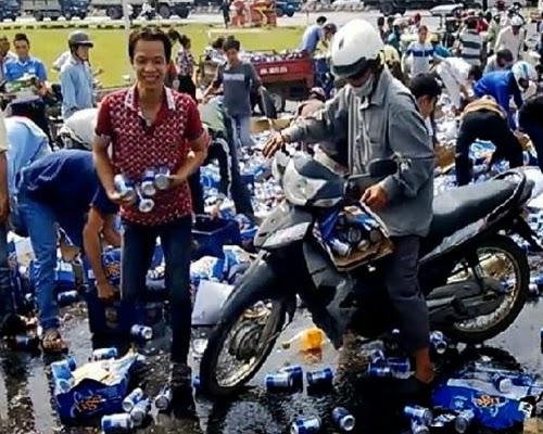 Điểm lại những gương mặt hớn hở khi hôi của ở Đồng Nai