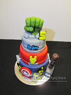 bolo aniversário super herois pasta açucar