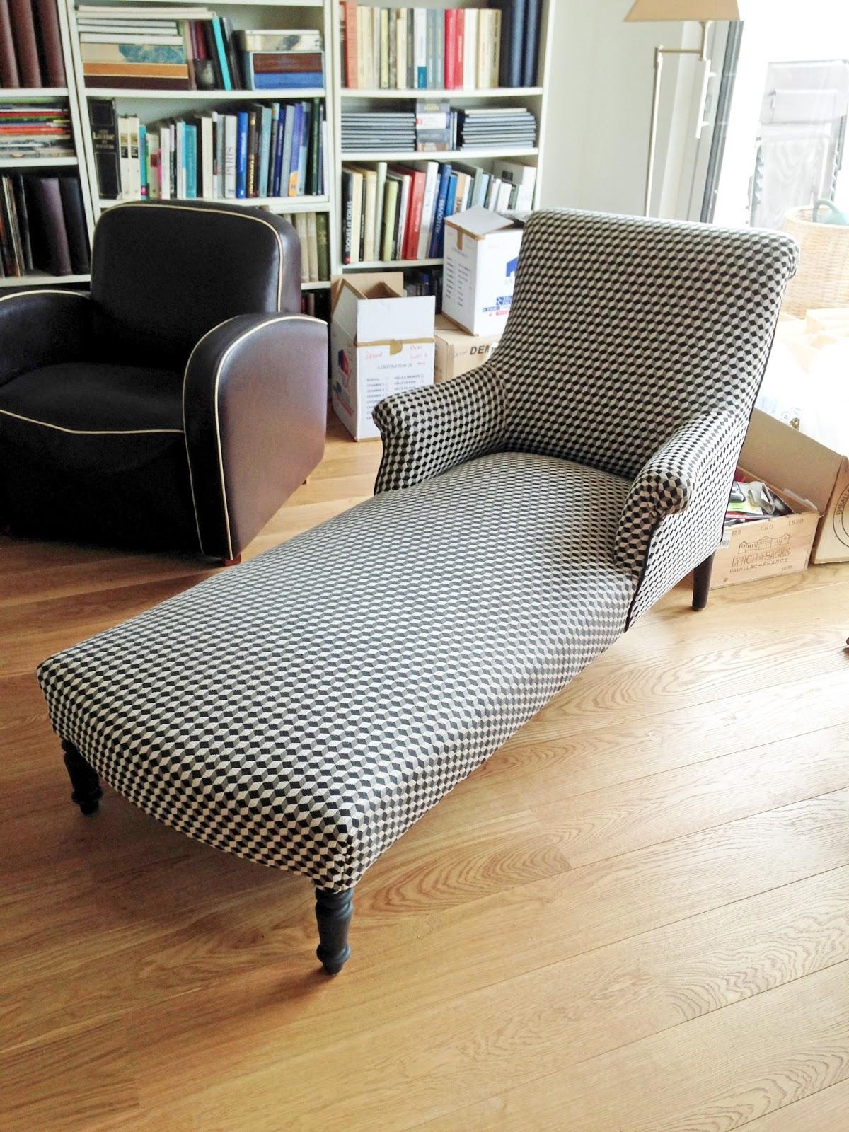 un fauteuil anglais en m ridienne. Black Bedroom Furniture Sets. Home Design Ideas