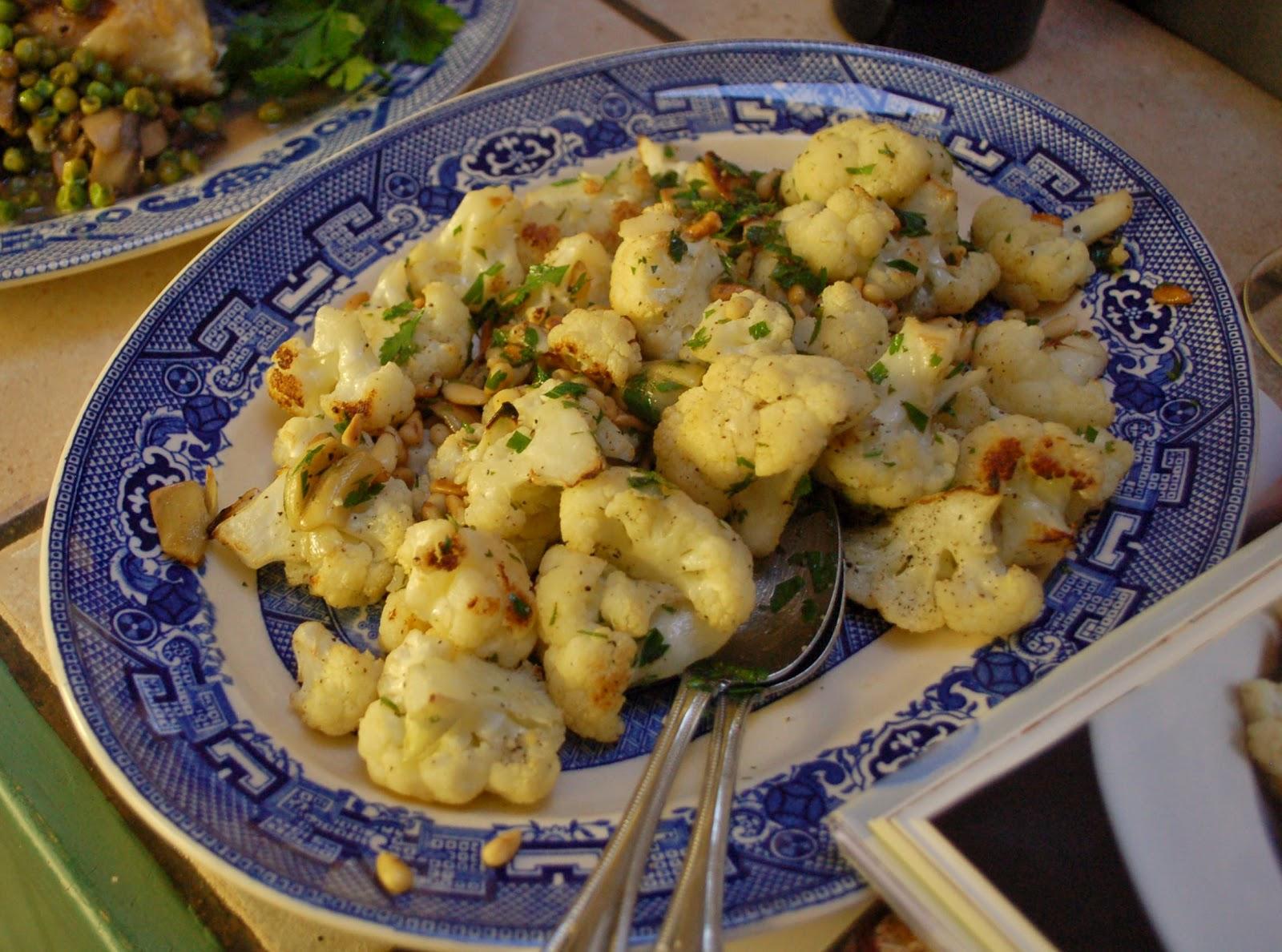 The spice garden ina garten 39 s garlic roasted cauliflower for Rost garten
