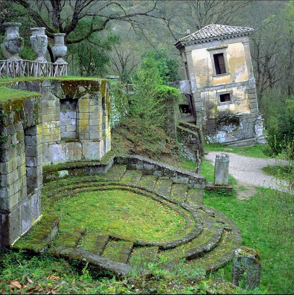 Lost Places Fotos: ALEXANDER WATERWORTH INTERIORS: PARK OF THE MONSTERS