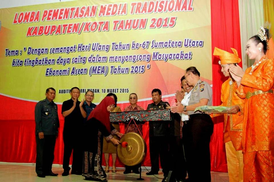 Sutiyas-Buka-Lomba-Media-Tradisional